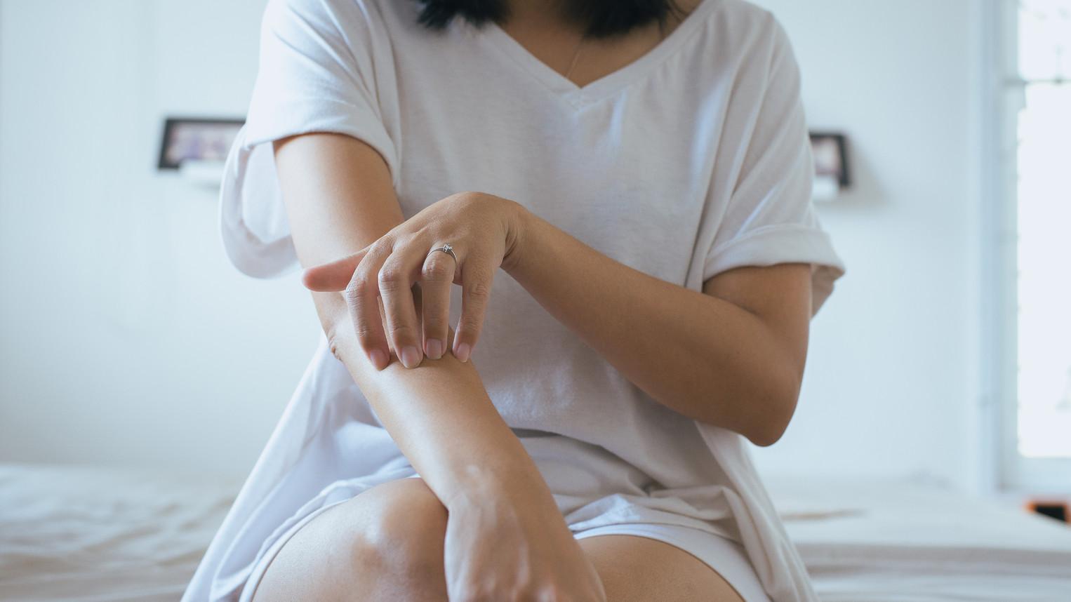 hogyan lehet gyorsan gyógyítani a pikkelysömör könyökét pikkelysmr a fejn tnetek s kezels