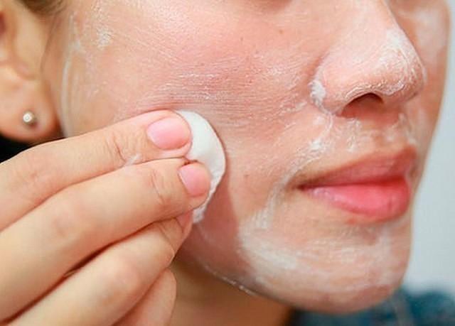 hogyan lehet eltávolítani a vörös foltokat és hegeket az arcon