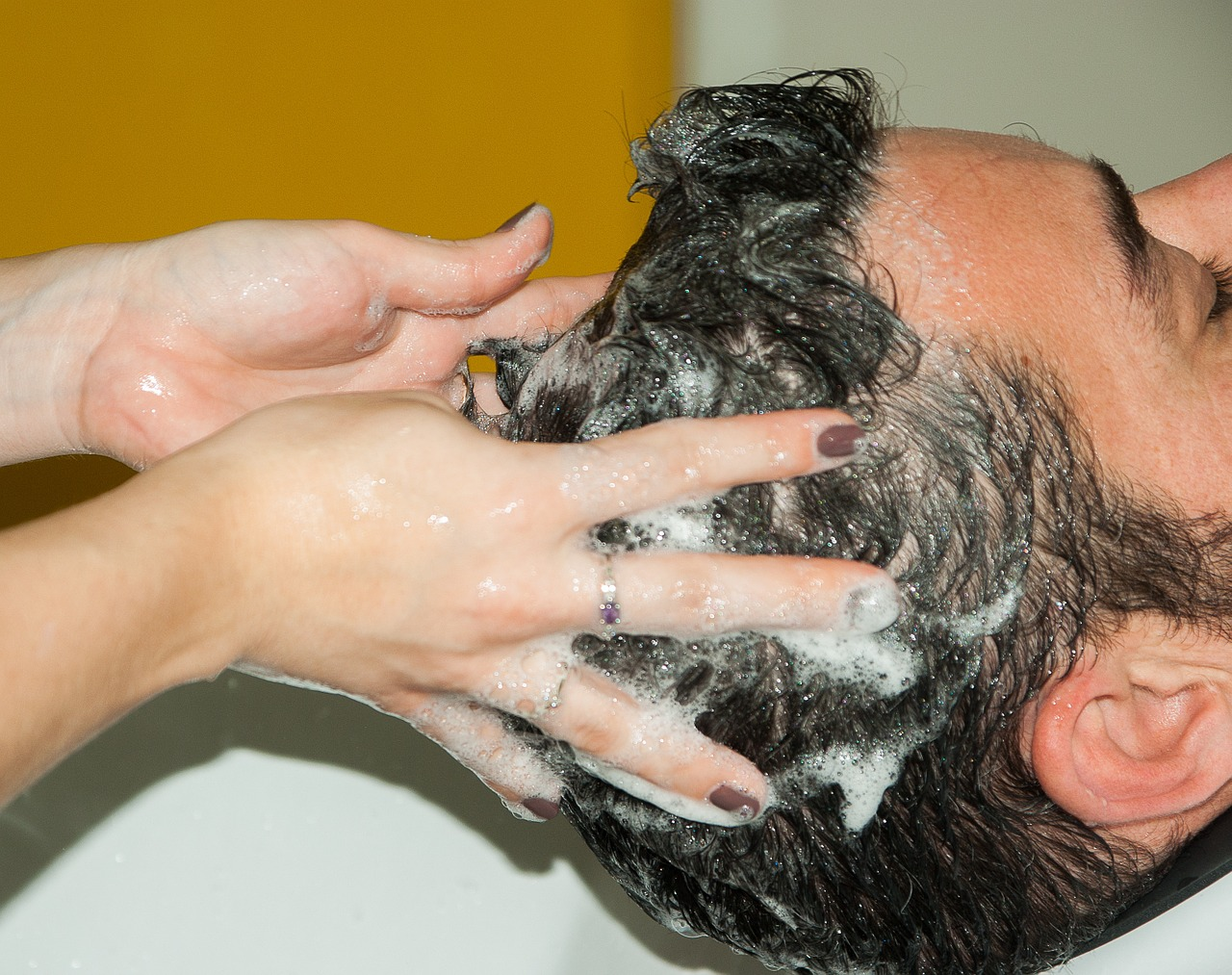 Pikkelysömörös fejbőr kezelése, ápolása