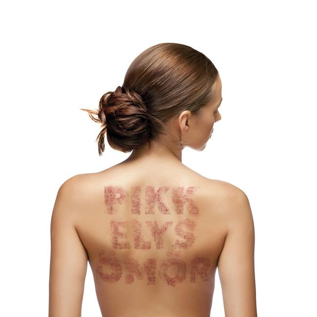 pikkelysömör kezelésének előadása száraz vörös foltok a fejbőrön