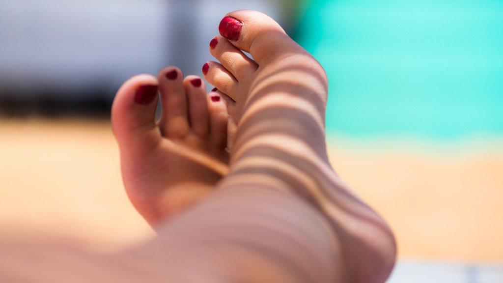 duzzanat és piros lábfoltok nyáron hogyan kell kezelni őket